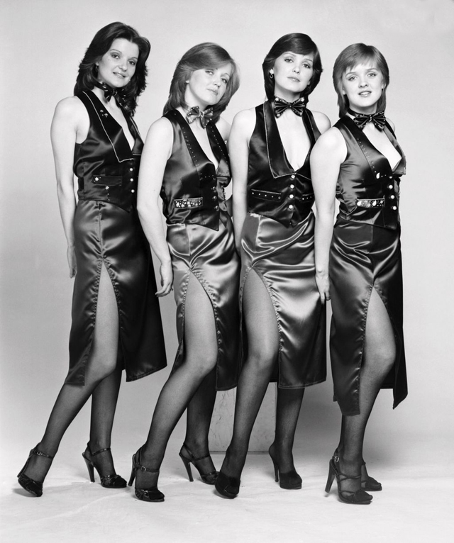 The Nolans-Gotta Pull Myself Together20.jpg